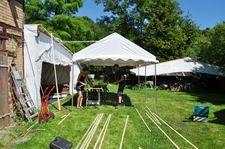 Wir an der #VillaEdenPeene draußen beim Kanu bauen
