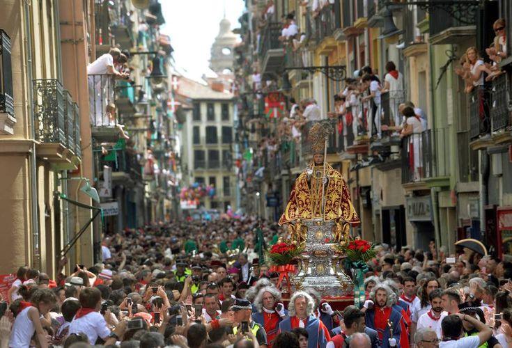 Comparsas, cabezudos, la procesión de San Fermín... Te mostramos las mejores fotos de las fiestas de Pamplona