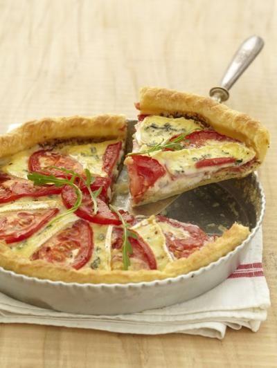 750 grammes vous propose cette recette de cuisine : Tarte gourmande à la tomate et au Bresse Bleu. Recette notée 3.7/5 par 21 votants et 3 commentaires.