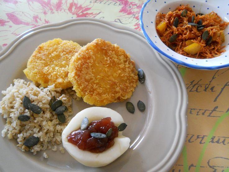 """Petzi von """"From Veggie to Vegan"""" ist voll motiviert und inspiriert und hat schon das zweite leckere Rezept für unser Blogevent eingereicht: Kürbis-Knusperschnitzel mit Birne  Eine super Idee!"""