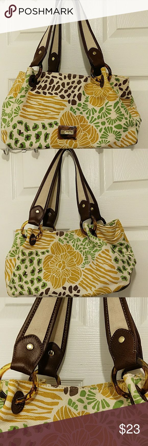 """Relic floral shoulder bag Like new , great condition no stains no rips ,3 compartments inside,one zipp pocket ,one pouch, magnetic clousur measurements 14"""" x 7"""" x 6"""", strap drop  9"""". Relic Bags Shoulder Bags"""