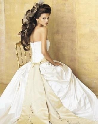 940 best find a wedding images on pinterest bridal for Rent a wedding dress las vegas