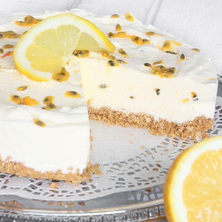 Baka utan ugn! En krämig, frisk, fräsch och fryst fyllning smaksatt med citron & passionsfrukt. En ljuvligt god kombination till den smuliga bottnen.