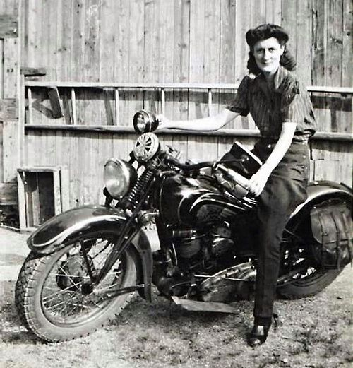 Girlsandmachines Indian, 1930S  Bikes And Girls -8167