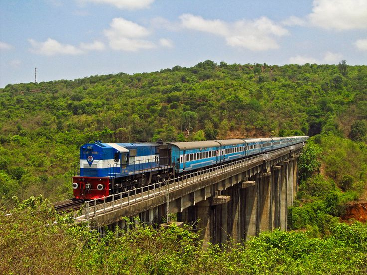 The MAO bound Jan Shatabdi Express passes through a beautiful green setting between Ratnagiri and Nivsar stations