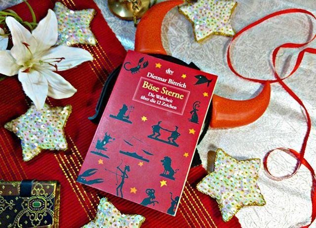 Dieses Astrologiebuch liebe ich, denn es ist lustig (man sollte über sich lachen können). Ich bin eh dank dem Gummibärchenorakel ein Fan des Autoren.🌝✨  #Sternzeichen #astrologie #liebe