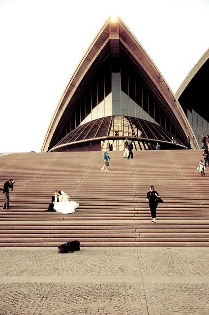 Sydney Opera House Wedding Shoot by Flickr user emmettaanderson, 2010