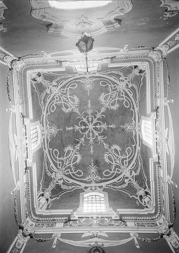 Palácio Amarelo - tecto. Fotografia sem data. Produzida durante a actividade do Estúdio Mário Novais: 1933-1983. Portalegre, Portugal