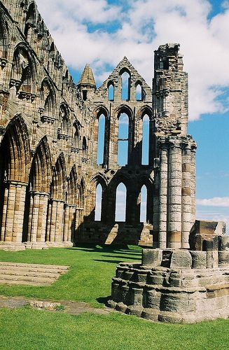 Whitby Abbey, England - UK  This would be cool to go here.