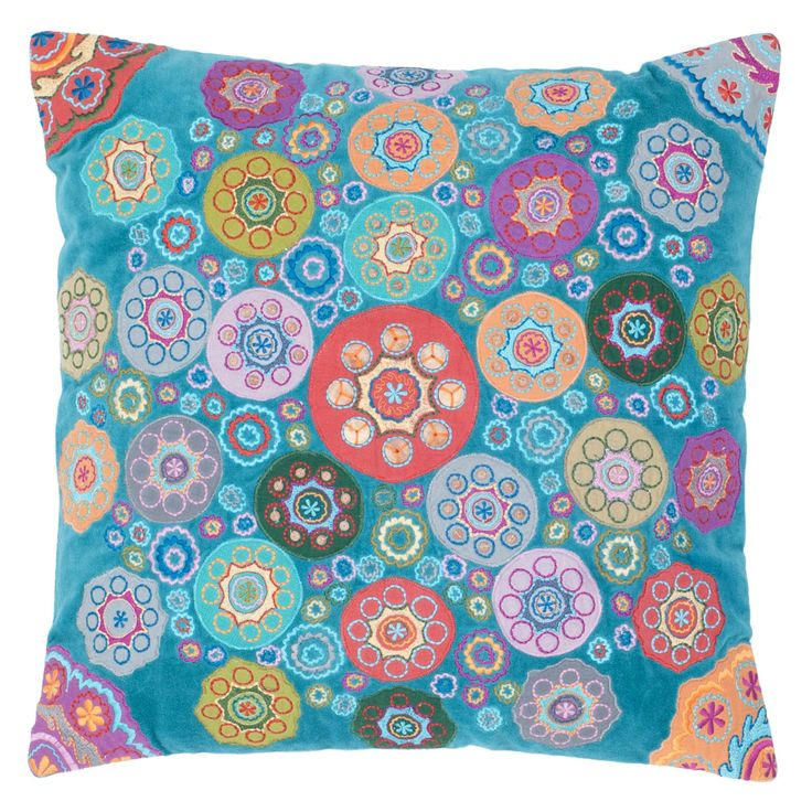 Rizzy Home Eclectic Circles Embroidered Decorative Throw Pillow - T04364