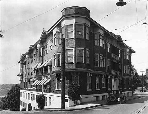 Kinnear Apartments  905 W Olympic Pl - Queen Anne Historical Society
