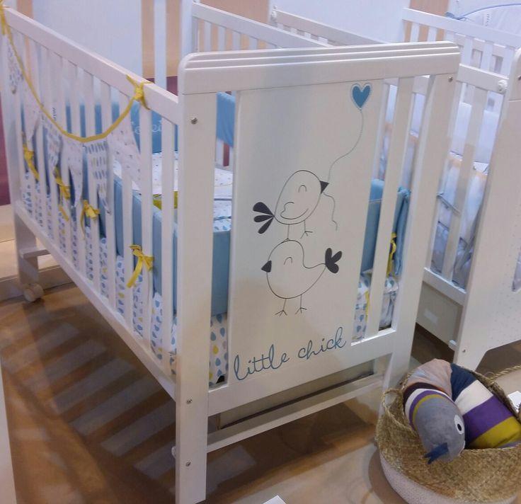 ¡Mira qué bonita es la nueva #cuna Little Chick  de #Micuna  en azul! ¿Sabes que tiene edredón, protector y sábanas a juego?  #qnmbb #decoración #infantil #nurserydecor #habitación #dormitorio #bebé