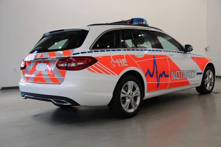Vorführfahrzeug der Daimler AG aus Basis Mercedes Benz C-Klasse T-Modell als NEF.