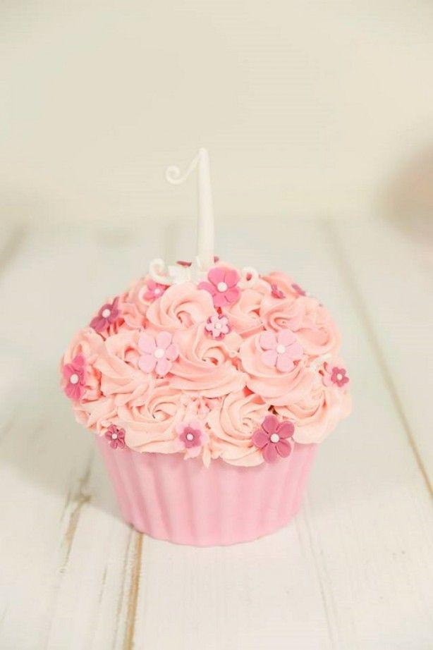 Taart voor een Cake Smash fotoshoot van een meisje.