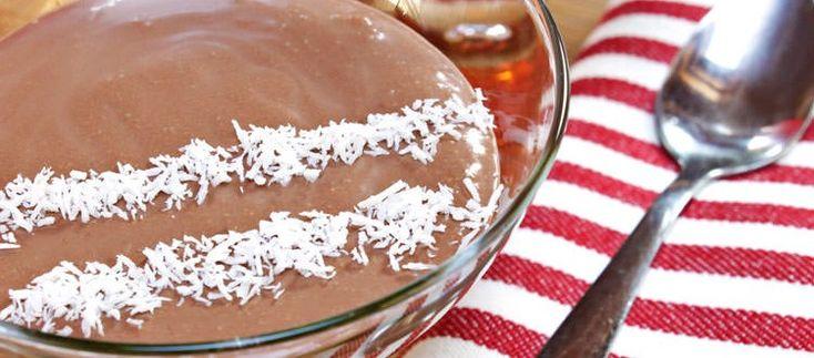 mousse al cioccolato senza uova al profumo di cocco vegan