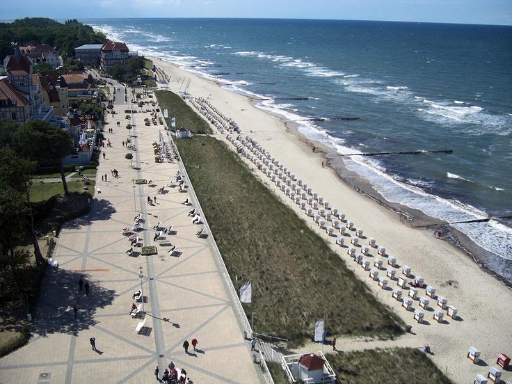 Ostseebad Kühlungsborn, beach Mecklenburger Bucht. Mit 3.150 Metern Länge verfügt Kühlungsborn über die längste Strandpromenade Deutschlands.
