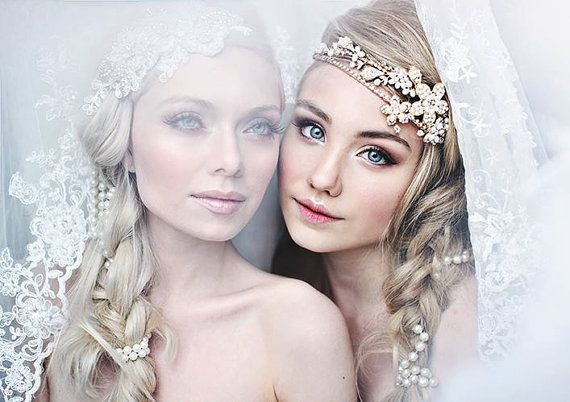 A Golden Glimpse of Hope bridal headband - Shimmering tiara with flowers, crystals and pearls on Etsy, 737,38 kr