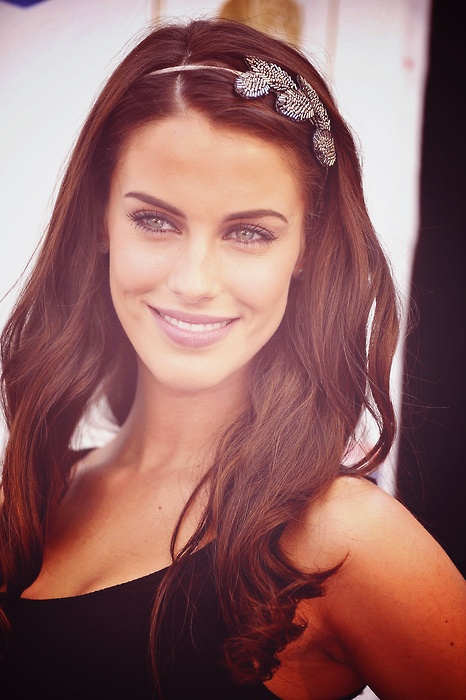 90210 star Jessica Lowndes. Hate her in the show, but love her music!