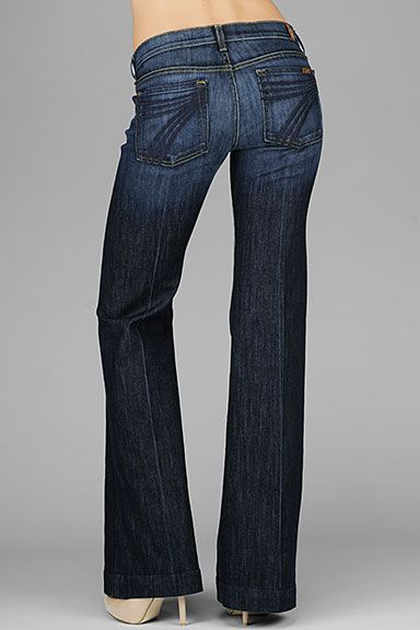 seven for all mankind dojo trouser jeans. these have never looked bad on anyone; perfect wash and fit.