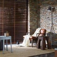 Den naturlige skønhed i træ, har længe været en inspiration i boligen. Dens beroligende tilstedeværelse giver en velkommen kontrast til trængsel og travlhed i det moderne daglige liv. Luxaflex ® Træ persienner kan give dig denne kvalitet til dit hjem samtidig med at du skærmer for solens stråler på en fleksibel måde   #Træ #bolig #gardiner #luxaflex #indretning #afskærmning