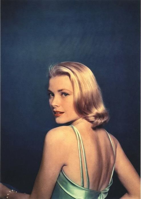Grace Kelly, 1954. Photo: Philippe Halsman (Magnum Photos) for LIFE magazine.