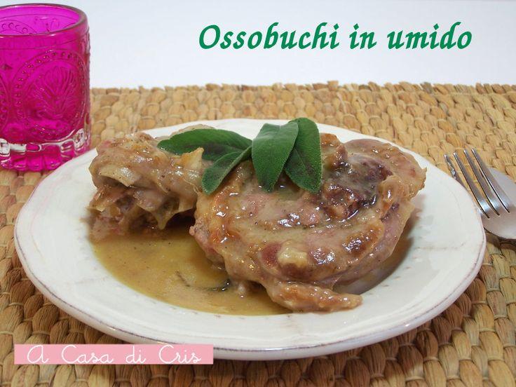 La ricetta degli ossobuchi in umido è quella di nonna Maria, una ricetta deliziosa e semplice con una cottura lunga e molto lenta per un risultato delizioso
