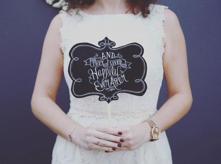 düğün için konuşma balonları    En sevdiklerim düğün ve bachelorette propsları #düğün #wedding #gelin #bridetobe #gelinpartisi #andtheylivedhappilyeverafter #mrs #mr #düğünpartisi #düğünelpankartı #nişanelpankartı #bacheloretteparty #bachelorettepartyelpankartı #designbyceline #DESİGNBYCELİNE #designbycelineelpankartları