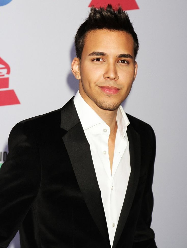 PRICE ROYCE AND OTHER LATIN STARS ON TWTTER http://www.atvnetworks.com/index.html