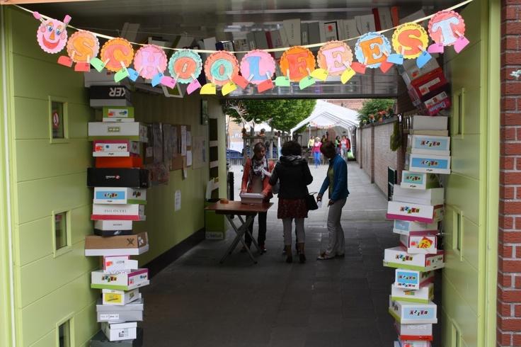 Hartelijk welkom aan alle bezoekers van ons schoolfeest! (thema schoenen)