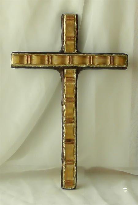 Dieses wundervolle Wandkreuz ist nicht nur modern, sondern auch stilvoll handbearbeitet und handbemalt, um als hervorragendes Geschenk für viele christliche Anlässe zu dienen.