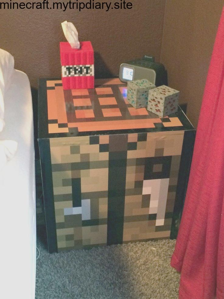Minecraft Crafting Table Tnt Klenex Box And Lighted Diamond And Redstone Ore Fo Minecraft Room Decor Minecraft Bedroom Decor Minecraft Room