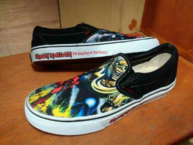 Vans Slip On Iron Maiden Waffle ICC Size 39~44 (minat pm my pin 5CAA253B)