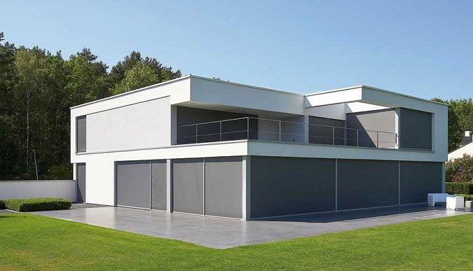 Moderne villa met grijze screens