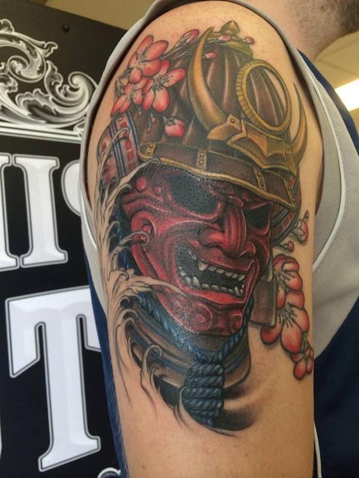 masken tattoo rote maske helm rosa blumen mann trends pinterest. Black Bedroom Furniture Sets. Home Design Ideas