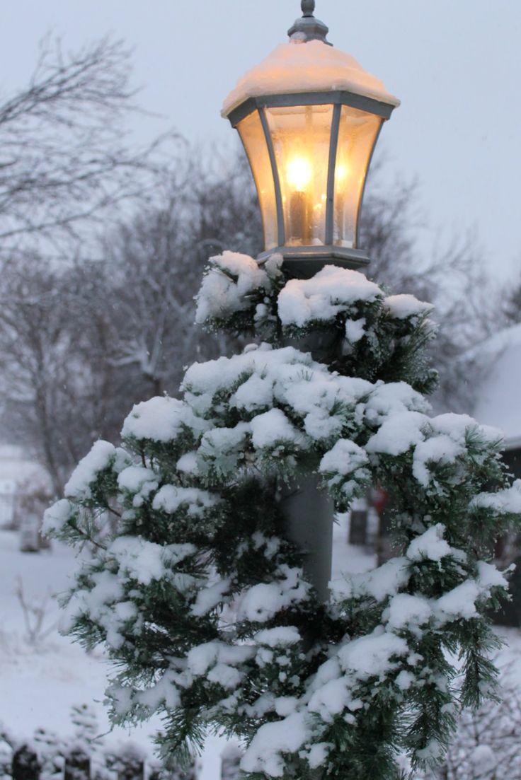 снег на фонарях картинки старых зданий