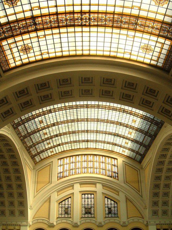 Main Hall, University of Debrecen, Hungary Copyright: jalab temen