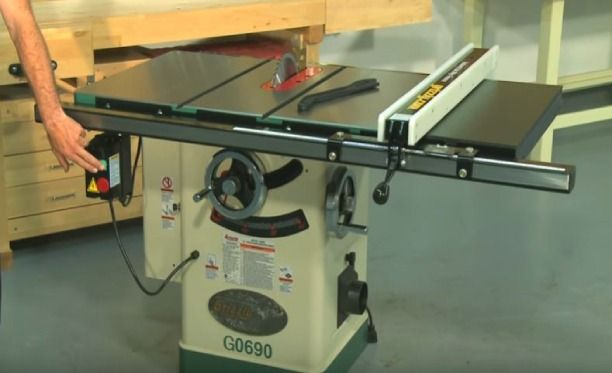Breaking Down Cabinet Saw Vs Table Saw The Front Runner In 2020 Table Saw Cabinet Table Saw Woodworking Jigs