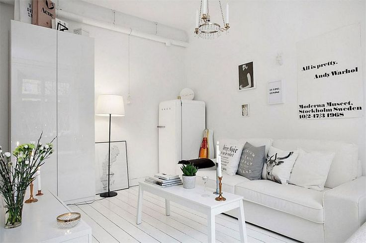 this place is so small and so perfect. all white and it manages to pop with style