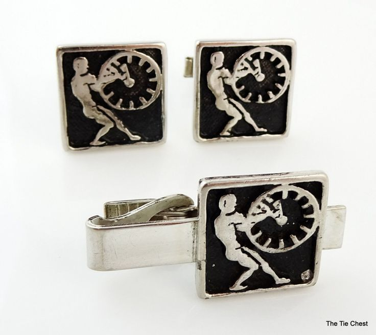 Do you have pairs of cufflinks for every day of the year? Wear this set when you have to turn the clocks back for daylight savings time! Great set of cufflinks and matching tie clip. | The Tie Chest