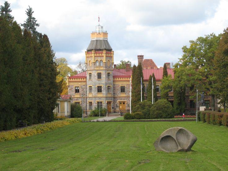 #Sigulda New Castle, gebouwd in 1878 in Neo-Gothische stijl. Ideale dagtrip vanuit #Riga