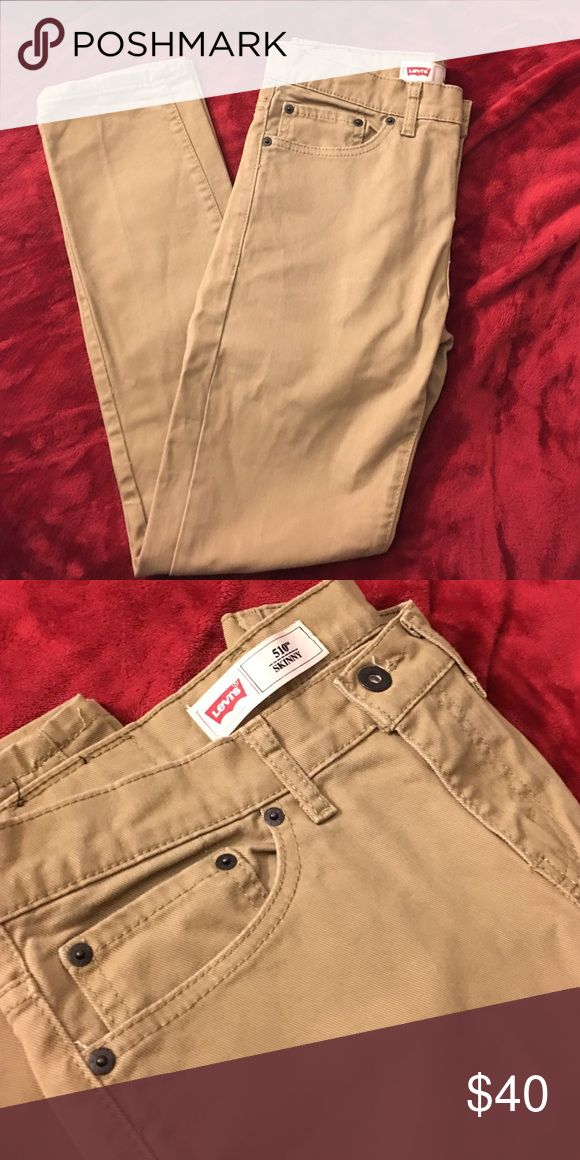 Levi's khaki skinny straight pant Never worn perfect condition.                         Feel free to ask any questions or for more pictures!  Bundle to save more on total & shipping cost!💸💸💸  Open to reasonable offers. Use offer button below👇🏾👇🏾👇🏾 Levi's Bottoms Jeans