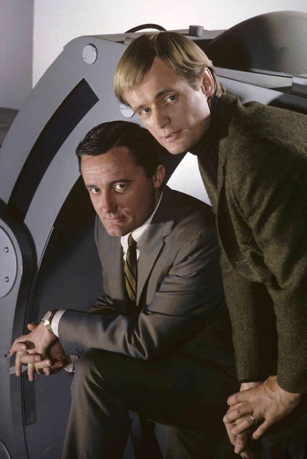Robert Vaughn as 'Napoleon Solo' & David McCallum as 'Illya Kuryakin' in The Man from U.N.C.L.E. (1964-68, NBC)