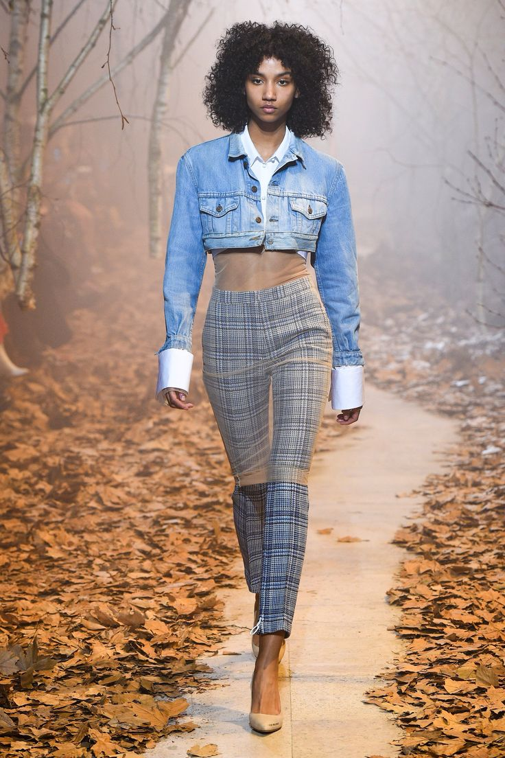 Off-White Fall 2017 Ready-to-Wear Fashion Show Collection