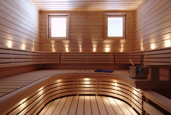 U-curve sauna bench design