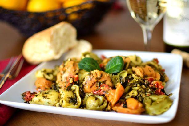 Ravioli or Tortellini With Pesto and Spinach