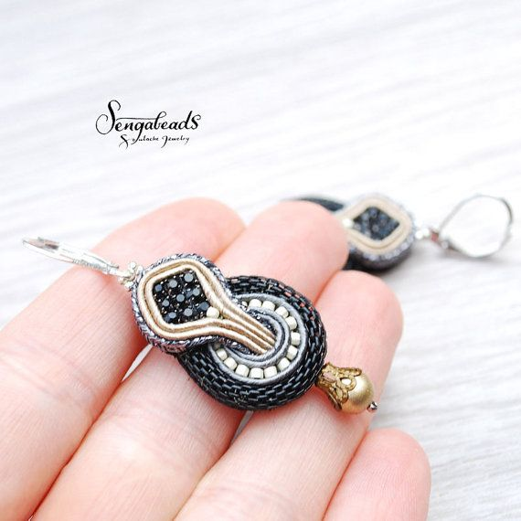 Small soutache earrings with sterling silver earring hooks. Soutache jewelry. Soutache earrings. Handmade jewelry. Gift for her. Soutache.