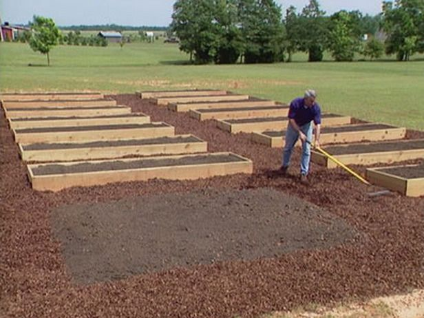 25+ Best Ideas About Building Raised Garden Beds On Pinterest