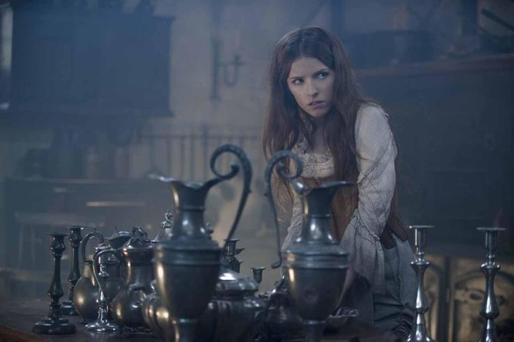 Into the Woods Trailer (Bild: Anna Kendrick als Cinderella). #intothewoods #annakendrick #cinderella