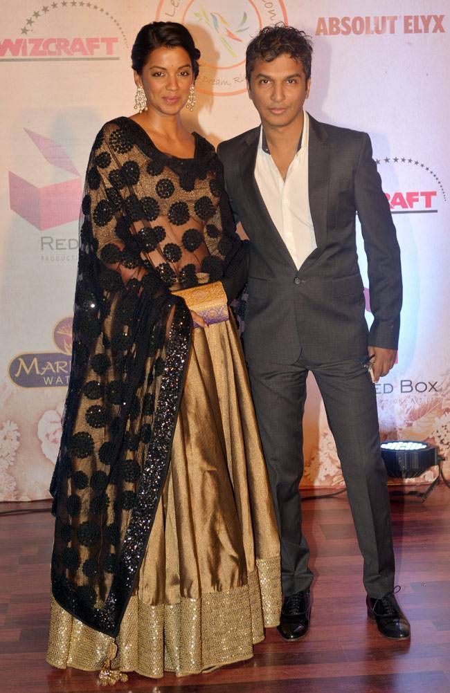 Mugdha Godse and Vikram Phadnis at Vikram Phadnis's fashion show. #Bollywood #Fashion #Style #Beauty #Hot #Marathi #Desi