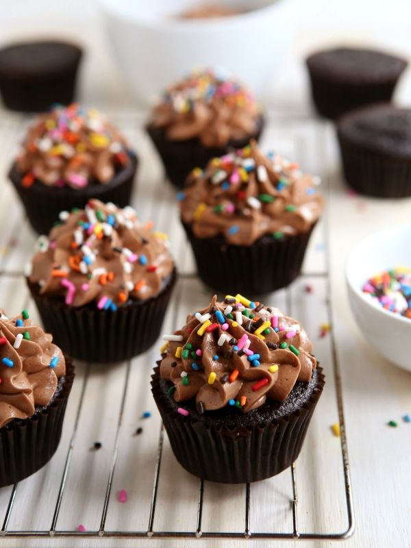 Try these delicious and sweet Chocolate Cupcakes with Nutella Buttercream from completelydelicious.com